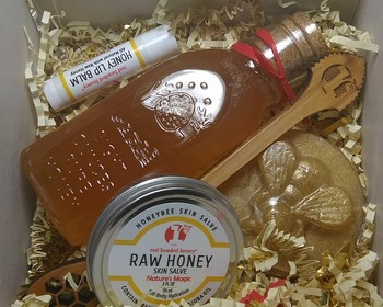 Market card honey gift kit with dipper paddle