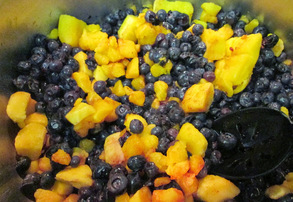 Display blueberry mango chutney